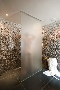 Ronde glas mozaïek tegels - badkamer | interieur | Pinterest