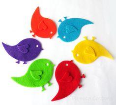 Pájaros de fieltro pack de 24 pájaros por PlanetaCostura en Etsy, €3.50
