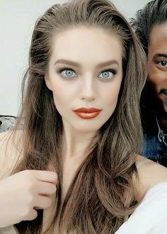 Emily DiDonato Emily Didonato, Nice Tops, Maybelline, Blue Eyes, Fashion Models, Crushes, Pretty, February, Beauty