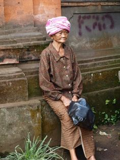 I took this photo in Ubud four years ago. Such a proud, beautiful  lady.