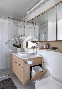 Un apartamento de 50 aprovechado al máximo / XS Studio for compact design Bathroom Design Luxury, Bathroom Layout, Modern Bathroom Design, Home Room Design, Home Interior Design, Studio Interior, Toilet Design, House Rooms, Bathroom Inspiration
