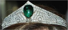 Chaumet emerald tiara--I don't care if people think it looks like Wonder Woman's tiara, I like this quite a bit.