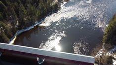 Pont couvert de Wakefield Wakefield, River, Outdoor Decor, Pictures, Bridge, Photos, Rivers, Grimm