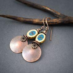 copper disc earrings • Czech flower glass beads • boho earrings • tribal jewelry • hand forged • circle earrings • earthy jewelry • ethnic by entre2et7 on Etsy