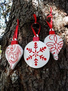 Scandinavian Plaster Ornaments, easy to make your own outta clay