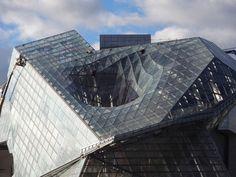 Musee des confluences: здание с дыркой в Лионе от Coop Himmelb(l)au