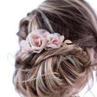Pente para noivas com flores