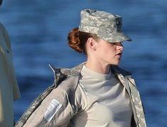 Más imágenes de Kristen Stewart en el rodaje de Camp X-Ray ~ ActorsZone