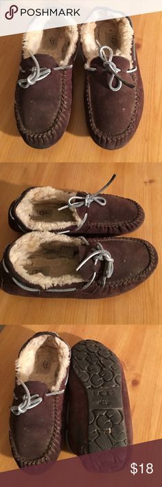 UGG SUEDE LEATHER MOCCASIN FUR LINED LADIES 8 PREOWNED WORN. SOME COSMETIC MARKS. A GOOD CLEANING WILL REVAMP LADIES SIZE 8 SHEEP FUR LINED UGG Shoes Moccasins