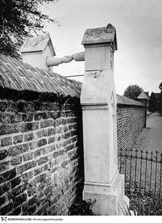 """Graves of a Catholic woman and her Protestant husband, who were not allowed to be buried together. Roermond, South-Eastern Netherlands, (This still happens today in N. America, where cemeteries have a """"Catholic only"""" section. Foto Picture, Cemetery Art, Powerful Images, Nikola Tesla, Interesting History, Interesting Photos, Ancient Greece, Historical Photos, Monuments"""