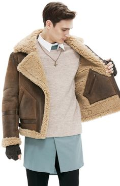 If you are tired of using Parkas and Down Jackets in winter, then here is two jacket that i just saw on Acne homepage that keeps you warm. ...