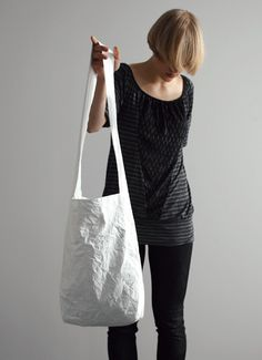 MAYBEBAGS Shoulder bag, white http://www.maybebags.com/collection-001-gallery.html#