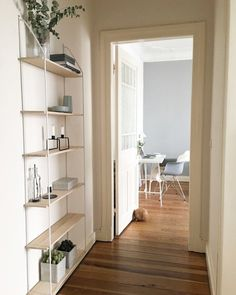 Regalliebe | SoLebIch.de Modern Interior Decor, Modern Wall Shelf, Interior, Hallway Inspiration, Home, Bookshelves Built In, Clad Home, Shelving Unit, Interior Design