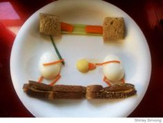 Husband's Food Art for Pregnant Wife on Bed Rest - Parenting.com    After being diagnosed with gestational diabetes, complete placenta previa, and incompetent cervix, Shirley Sirivong was put on bed rest and a strict special diet. To liven up Shirley's bland meals, her husband Gat began to create funny faces out of boiled eggs and toast.