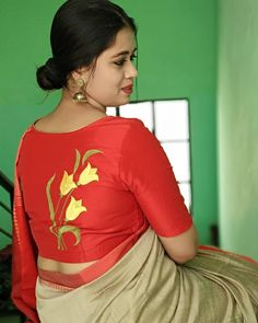 Exceptional and Mind Blowing Blouse and Saree Designs with Embroidery Blouse Back Neck Designs, New Saree Blouse Designs, Fancy Blouse Designs, Stylish Blouse Design, Designer Blouse Patterns, Designer Dresses, Look Cool, Clothes For Women, Blouses