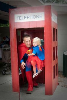 Kids would love this Superman party. I love that they thought of the telephone booth!