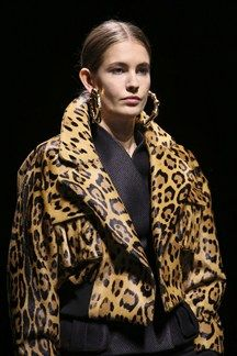 Balmain Fall 2014 Ready-to-Wear Collection Photos - Vogue Animal Print Outfits, Animal Print Fashion, Fashion Prints, Pierre Balmain, Balmain Paris, Fashion Mode, Fashion Show, Fashion Design, Moda Animal Print