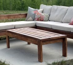 Outdoor Coffee Table Ana White Diy Modern Outdoor Side Table The Inspired Workshop Diy Modern Outdoor Side Table Modern Outdoor Side Tables Diy Outdoor Coffee Table With A Concrete Top Diy Furniture Cheap Diy… Dark Wood Coffee Table, Coffee Table Plans, Outdoor Coffee Tables, Diy Coffee Table, Diy Table, Patio Table, 2x4 Furniture, Diy Garden Furniture, Diy Outdoor Furniture