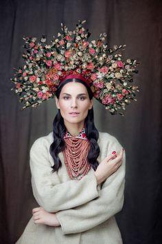 Фотопроект «Щирі»: украинские костюмы в новом календаре | Depo
