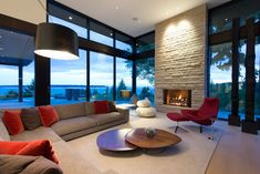 World of Architecture: Elegant Modern House in West Vancouver, Canada Vancouver, Home Goods Decor, Home Decor, Contemporary Sofa, Italian Furniture, Simple House, Home And Living, Living Room, Great Rooms