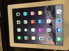 Apple iPad 4th Generation 32GB Wi-Fi 9.7in - White