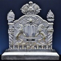 FINE ANTIQUE STERLING & SILVER PLATE LION FIGURAL JUDAICA MENORAH HANUKKAH LAMP