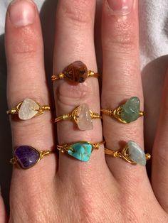 Diy Wire Jewelry Rings, Handmade Wire Jewelry, Handmade Rings, Beaded Rings, Cute Jewelry, Crystal Jewelry, Jewelry Crafts, Jewlery, Jewelry Accessories