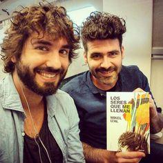 Camino de Cádiz para asistir a la rueda de prensa del Festival Nosinmusica!! Mikel me ha regalado uno de sus hijitos!! Bravo!! by alberttinny