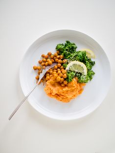 sweet potato mash + spicy chickpeas + spicy kale / feel good kitchen