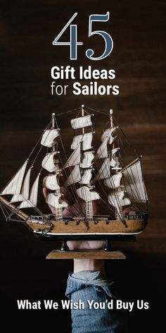 Have you been grinding over a gift idea for your sailor friend? Don't worry, because, in this article, I tell you exactly what we sailors would like to get. Read the article for some (non-obvious) sailor gift ideas! Sailing Decor, Sailing Theme, Sailing Outfit, Sailing Style, Sailing Tattoo, Sailing Logo, Sailing Knots, Sail Caribbean, Sailing Gloves