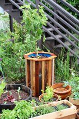 Stylish and Low Cost 55 Gallon Drum Planters: 15 Steps (with Pictures) Wood Planters, Planter Boxes, Garden Planters, Plastic Barrel Planter, 55 Gallon Drum, Garden Projects, Diy Projects, Backyard Landscaping, Outdoor Gardens