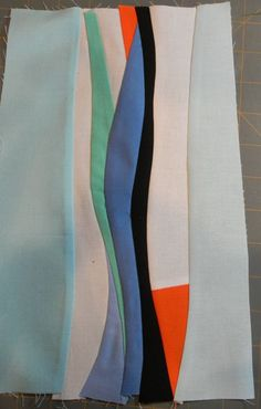 Tutorial for improvisational curved piecing for a quilt.