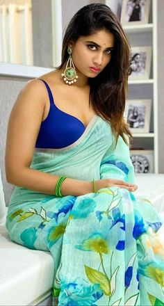 Indian Beauty, Sari, Beautiful Women, Actresses, Fashion, Saree, Female Actresses, Moda, La Mode