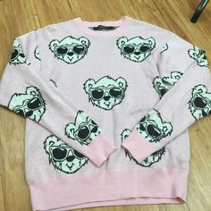 Joyrich pink bear face jumper sweater This is the one and only iconic Joyrich bear face sweater. Super duper soft. My Wildfox fans will love the quality and softness of this sweater. This is just too cute for words.            Excellent condition.                                                  Size Medium Joyrich Sweaters