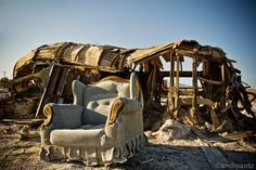 I just learned about the existence of the Saltan Sea (outside of San Diego) and it turns out it is also a near-Ghost Town. abanded buildings near the lake (sea) of southern California Abandoned Houses, Abandoned Places, California Travel, Southern California, Places To Travel, Places To Visit, All Falls Down, Salton Sea, Beautiful Buildings
