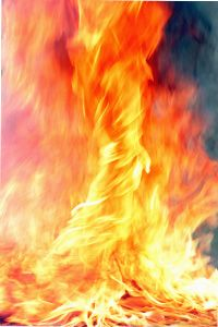 How Fire Tornadoes Work Inject heat, ash and fire into a spinning mass of air. Watch as a funnel of flames leaps from the ground, reaches for the heavens and then races forward to consume everything in its path. Is such a phenomenon possible? Tornado Gif, Fire Tornado, Natural Phenomena, Natural Disasters, All Nature, Amazing Nature, Rwby, One Punch Man Wallpapers, Nature