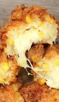 Fried Mozzarella Corn Fritters: looks sooo good but soo bad Corn Fritter Recipes, Corn Recipes, Recipe For Corn Fritters, Copycat Recipes, Corn Nuggets Recipe, Recipies, Easy Recipes, Tapas, Good Food