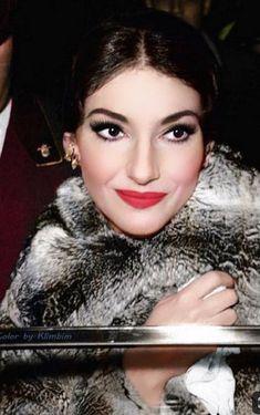Maria Callas, Divas, She Walks In Beauty, Red Lip Makeup, Beauty Regime, Opera Singers, Fantasy Women, Stunning Women, Sophia Loren