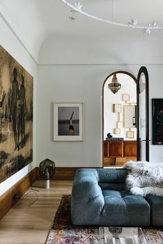 Home Interior Paint Photo by Derek Swawell.Home Interior Paint Photo by Derek Swawell. Modern Interior Design, Modern Decor, Interior Architecture, Modern Rugs, Historical Architecture, Rustic Modern, Modern Art, Living Room Designs, Living Room Decor
