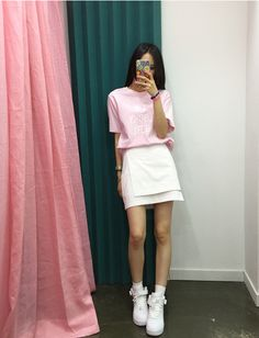 This outfit is so cuteee Asian Street Style, Korean Street Fashion, Korea Fashion, Asian Style, Asian Fashion, Daily Fashion, Fashion Online, Girl Fashion, Fashion Outfits