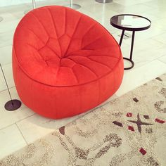 Ottoman armchair by N. Bubble Chair, Italian Furniture, Interiores Design, Showroom, Living Spaces, Ottoman, Armchair, Chairs, Lounge