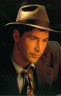 The handsome Keanu Reeves in a Walk in the Clouds Keanu Reeves Young, Keanu Reeves Movies, Keanu Reeves Quotes, Keanu Reeves John Wick, Keanu Charles Reeves, Cloud Movies, Keanu Reaves, The Devil's Advocate, Actor John