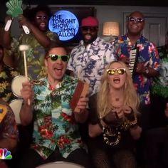"""Pin for Later: Madonna und Jimmy Fallon versetzen euch in Urlaubsstimmung mit """"Holiday"""""""