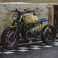 just keeps pumping out sweet machines and this BMW R Nine T is no exception. Bmw R100 Scrambler, Bmw K100, R80, Scrambler Motorcycle, Cool Motorcycles, Bobber, Vespa Motorcycle, Moto Cafe, Cafe Bike