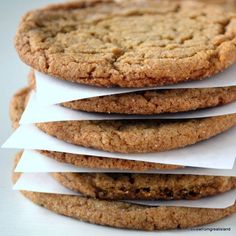Chewy Ginger Cookies, the ultimate fall and holiday cookie, full of spices and molasses. These soft and chewy gingernsap cookies are everybody's favorite! Köstliche Desserts, Delicious Desserts, Dessert Recipes, Yummy Food, Holiday Desserts, Fall Baking, Holiday Baking, Christmas Baking, Christmas Recipes