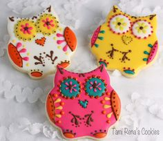 Learn how to decorate these colorful cookies! Tami Renā's Cookies: Day of the Dead Owl Cookie Tutorial Owl Cookies, Galletas Cookies, Iced Cookies, Cute Cookies, Yummy Cookies, Sugar Cookies, Cookie Frosting, Royal Icing Cookies, Halloween Cookies
