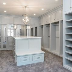 Master closet island with bench built in. Could be replaced with a settee. Master Closet Design, Walk In Closet Design, Master Bedroom Closet, Closet Designs, Inside Celebrity Homes, Celebrity Houses, Celebrity Closets, Celebrity Style, Closet Island