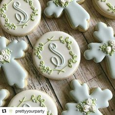 Happy Sunday cookies made by Liz Thompson from . Baby Cookies, Easter Cookies, Cupcake Cookies, Christening Cookies, Baptism Cupcakes, Cookie Icing, Royal Icing Cookies, Monogram Cookies, Logo Cookies