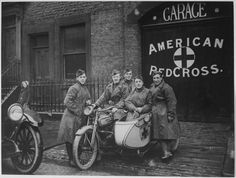 Group portrait of motorcyclists of the American Red Cross stationed in Great Britain during the First World War, This unit, from the famous 'Flying Squadron' prided themselves on being able to. Get premium, high resolution news photos at Getty Images Harley Davidson Sidecar, International Red Cross, Decoupage, American Red Cross, Military Veterans, World War I, Historical Photos, Old Photos, Vintage Photos