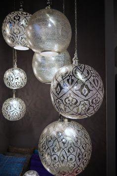 Na lang zoeken, eindelijk de geschikte lamp gevonden. Onlangs gekocht bij Cosy House.
